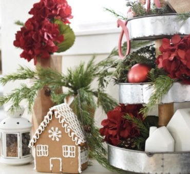 Gingerbread Houses {best frosting ever}