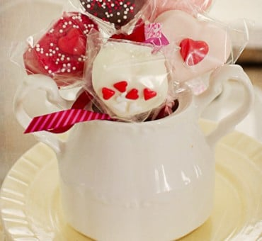 Happy Valentines!!!  Chocolate Dipped Marshmellows
