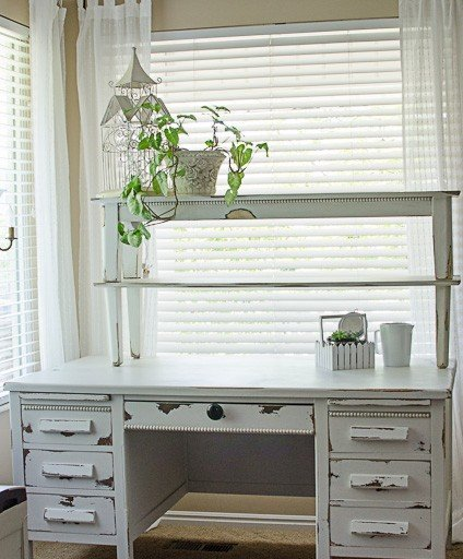 Homemade Chalk Paint & a Beautiful Desk!