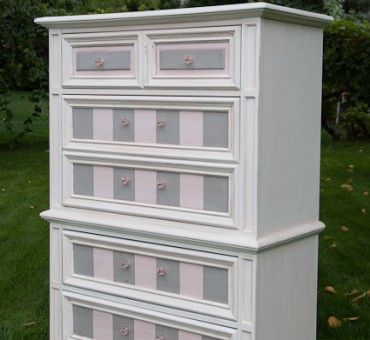Stripes, Stripes, Stripes and a Pink and Grey Dresser!!