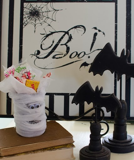 Easy Halloween Craft for All Ages… Mummy Tin Can