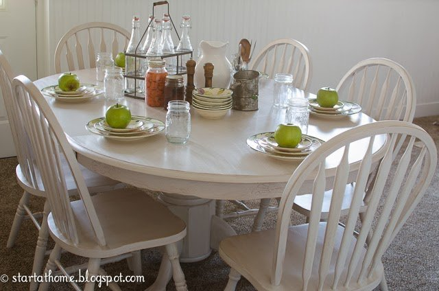 Pedestal Table with 6 Chairs!!
