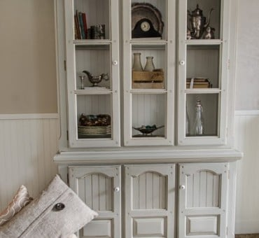 Beautiful Grey Hutch!