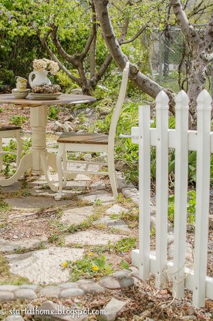 DIY Refinished Pedestal Table