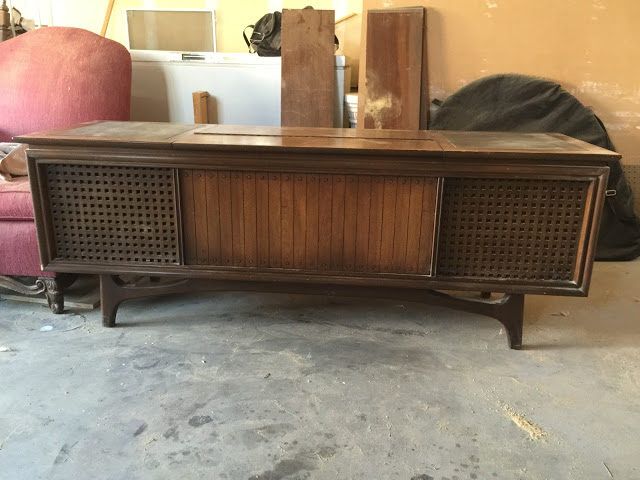 Retro Record Player Turned Shabby Chic Bench