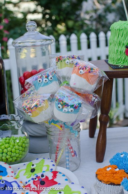 Monster Party Marshmallow Pops