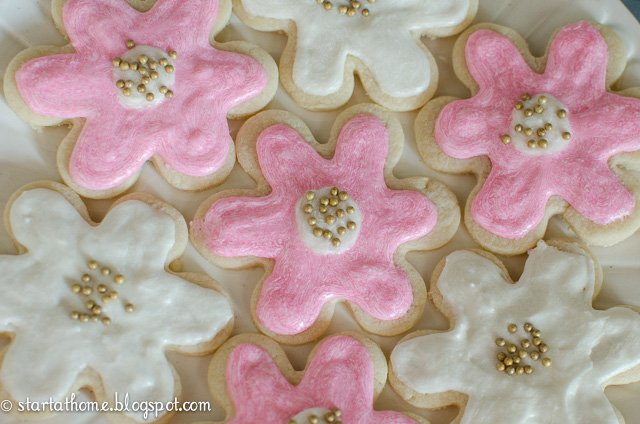 Gold and Pink Cookies for the Birthday Girl!