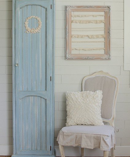 DIY Chalky Finish Curio Cabinet