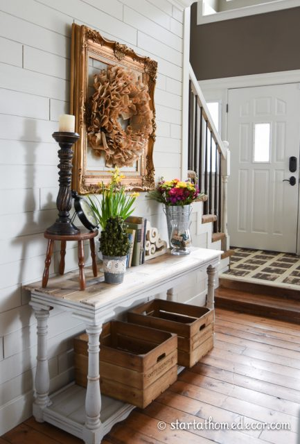 Entryway-Table-and-Decor