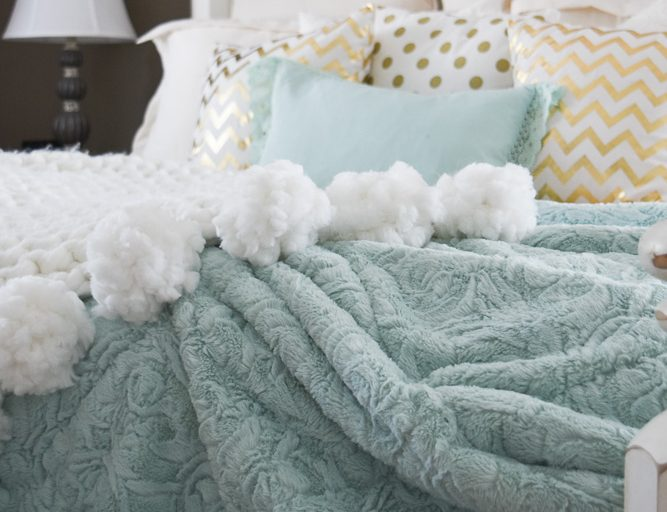 DIY Chunky Afghan With Pom Poms