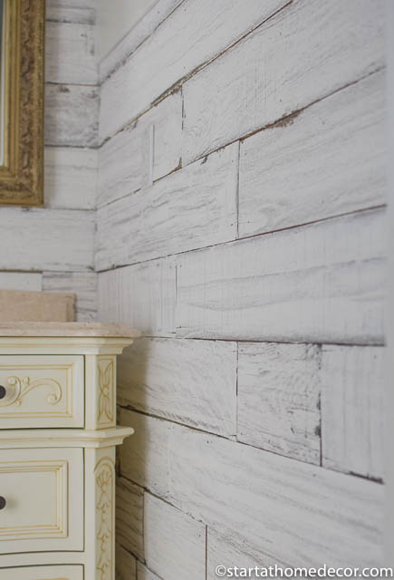 How to create weathered white wood using Amy Howard's Pallet in a Box