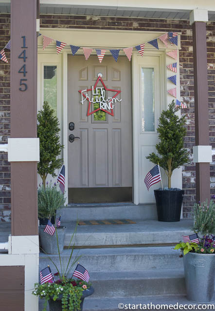 Create a 4th of july front porch on a budget start at for Small porch decorating ideas on a budget