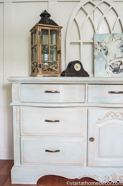 How to distress furniture without sanding by Start at Home Decor.  Vintage Inspired