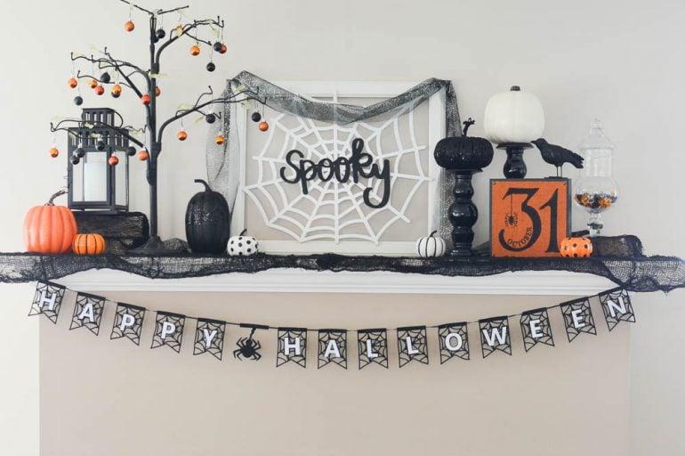 DIY Spooky Halloween Mantle