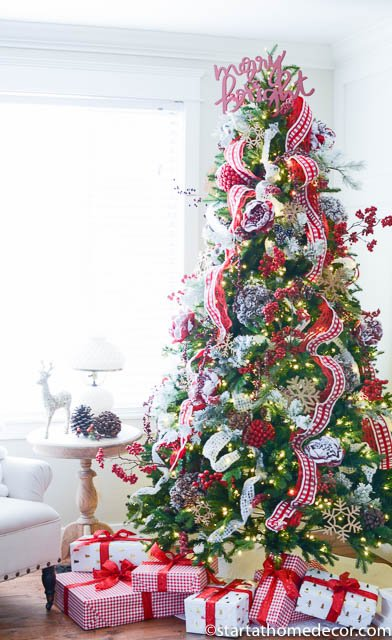 DIY Christmas Tree Decorating