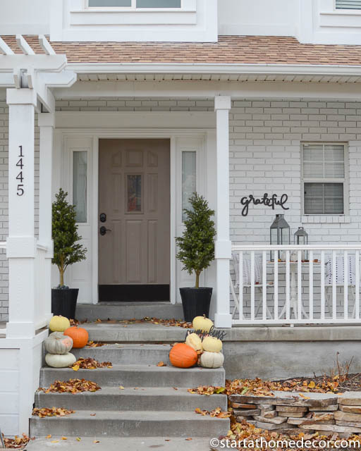 Minimalist fall front porch