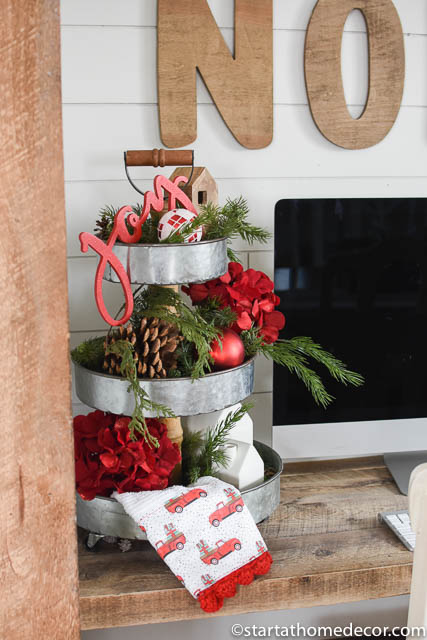 My Christmas home tour - Kitchen Red white and green