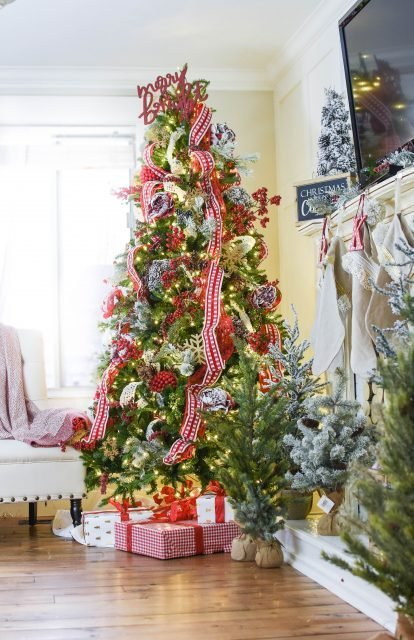 Christmas decor with ribbon