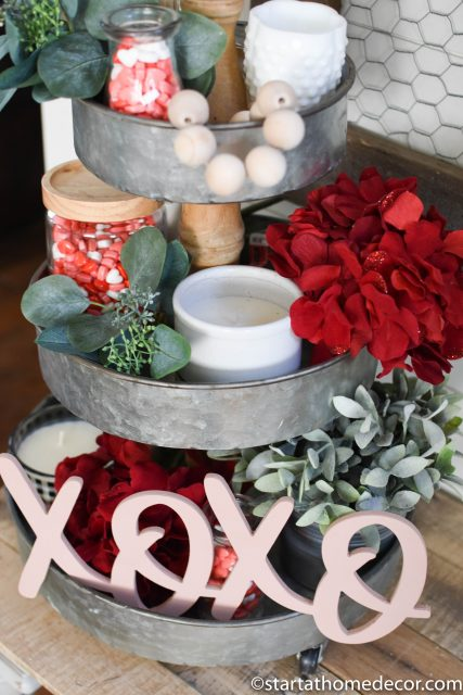 How to create the perfect Valentine's Day display with our XOXO cutout
