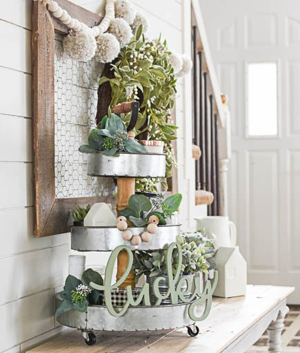 How To Create a Stacked Tray