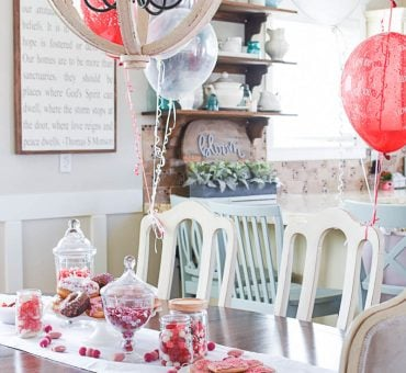 Easy Valentine's Day Tablescape