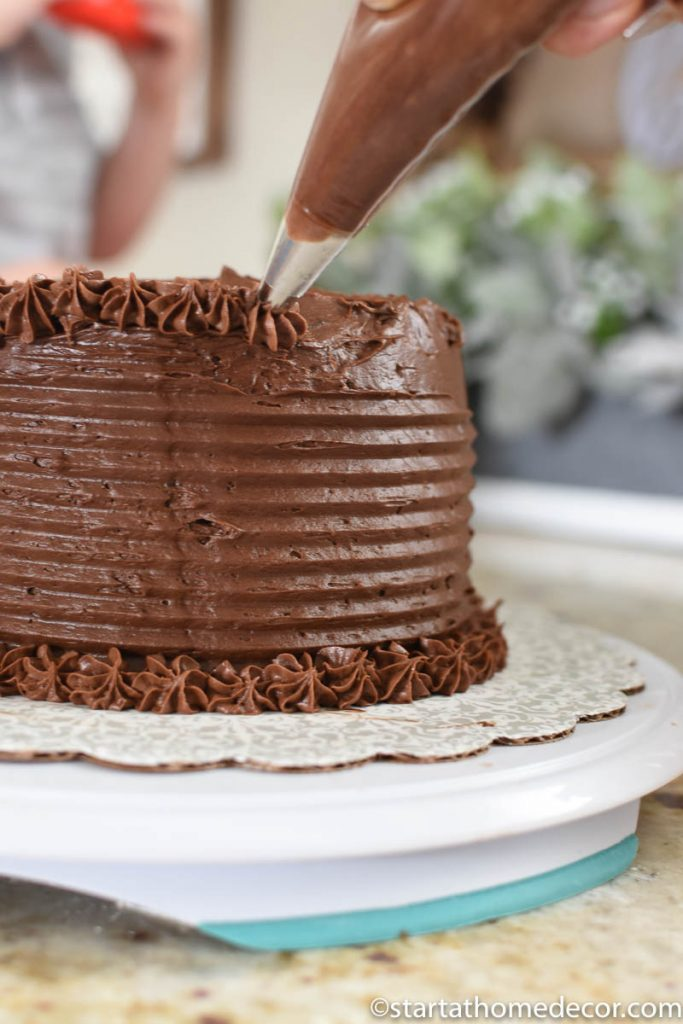Cake frosting made easy