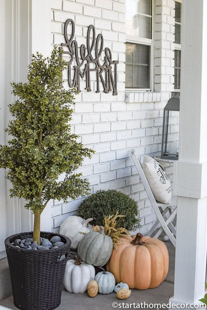 Fall porch of pumpkins