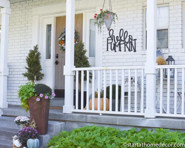 A Pumpkin Fall Porch