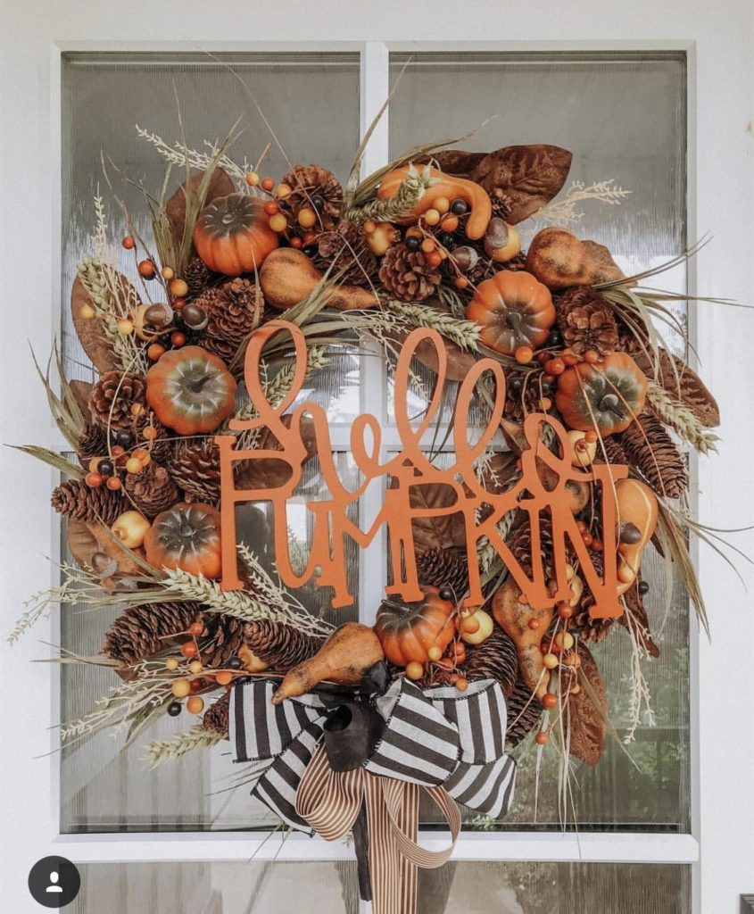 Fall wreath - hello pumpkin cutout