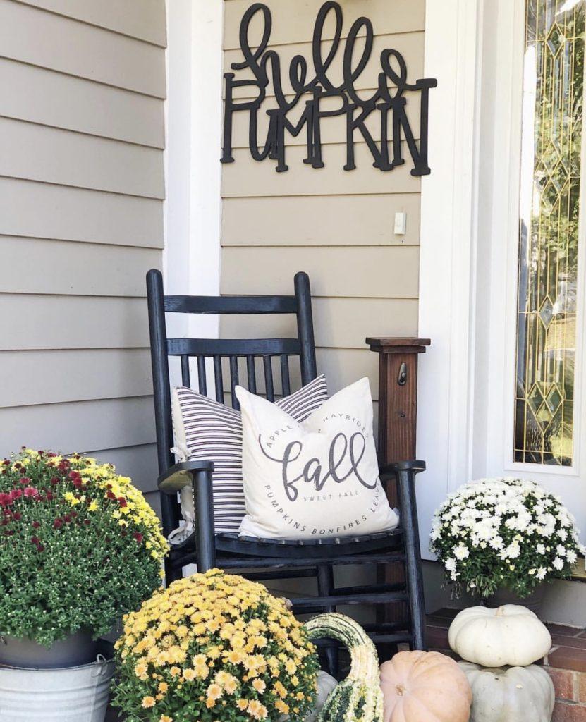 fall porch - pumpkins