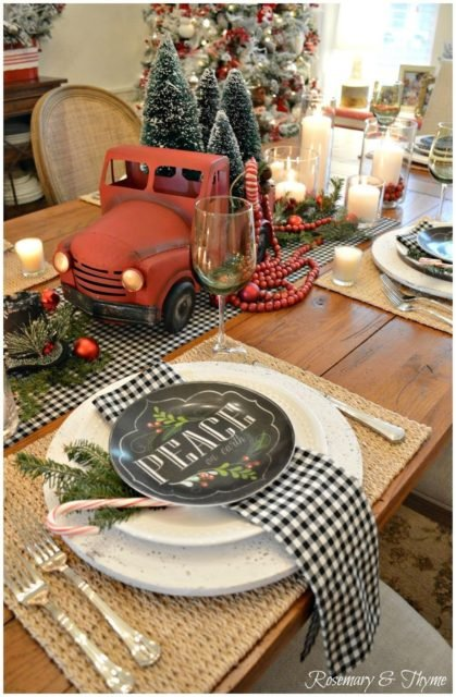 10 Classy Christmas Tablescapes