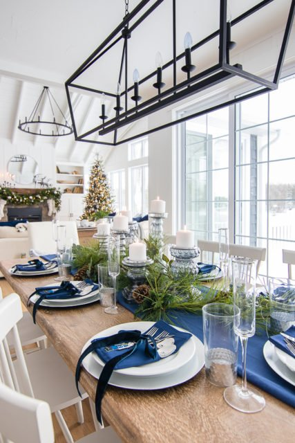 Elegant christmas tablescapes