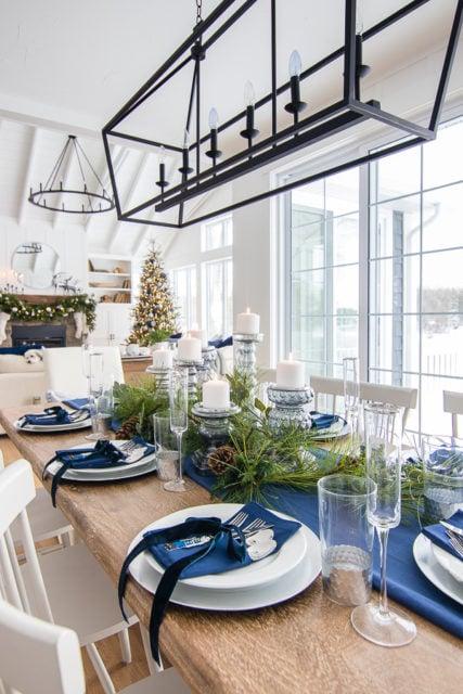 Elegant christmas tablescapes