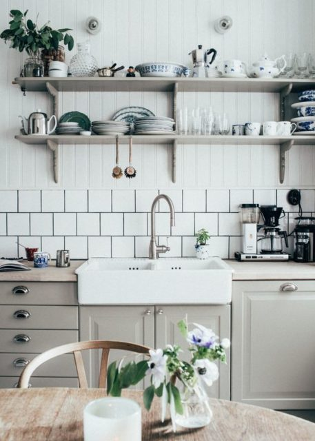 Open shelves in the kitchen | Kitchen storage