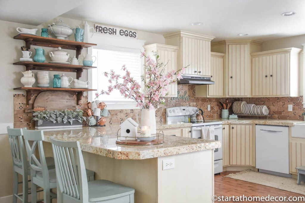 Spring Decor in my Kitchen - Farmhouse Kitchen