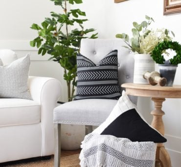 How to use Throw Pillows in Your Decor