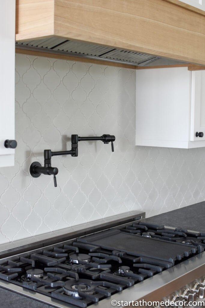 Black pot filler | Kitchen gadgets | Kitchen Design |start at home decor