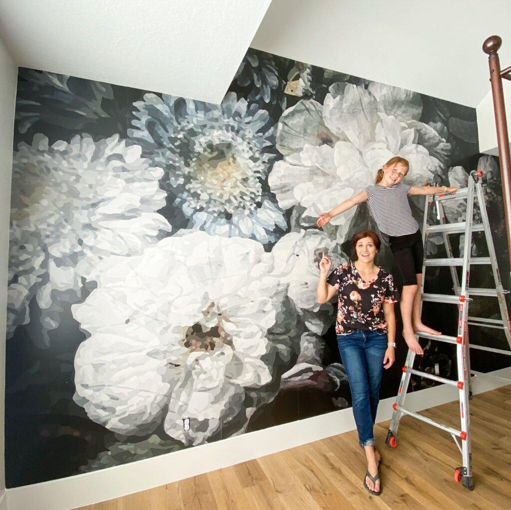Bedroom wallpaper | Floral wallpaper | Black Bedroom | Girl Bedroom | Black floral | Gold and Pink accents