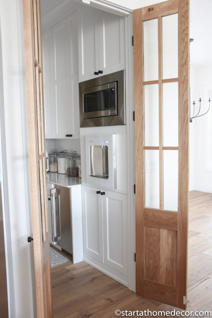 Pantry | Pantry doors | Pantry organization | Modern Farmhouse pantry