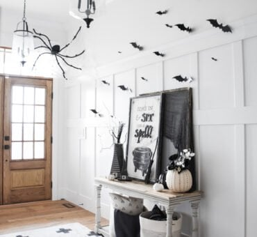 Easy Halloween Entryway